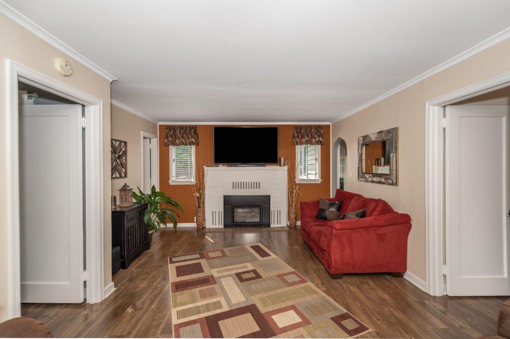 015_Living Room (2)
